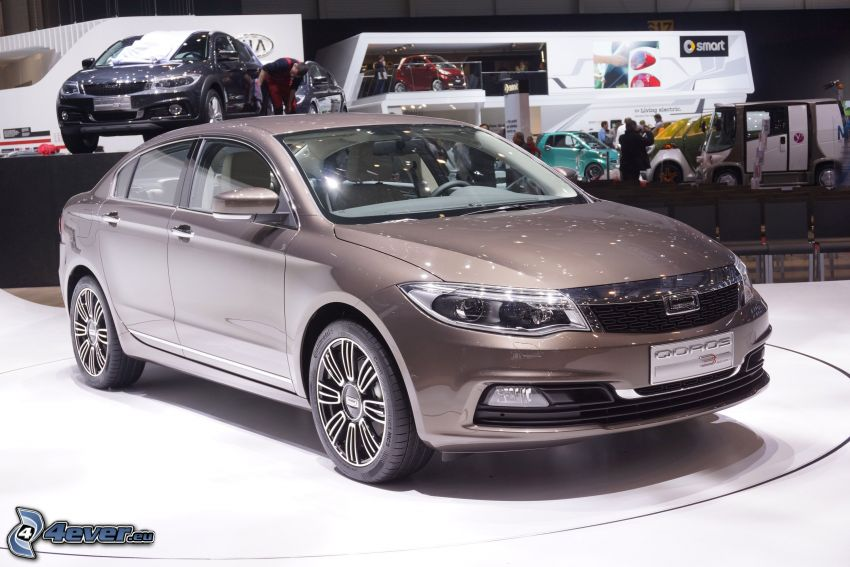 Qoros 3 Sedan, Automobilausstellung