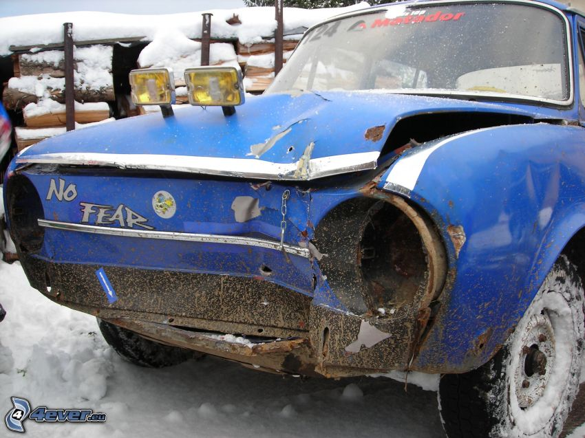 Škoda 100, No Fear, Unfall, Wrack, Schnee