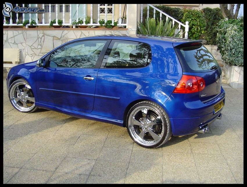 Volkswagen Golf, Auto