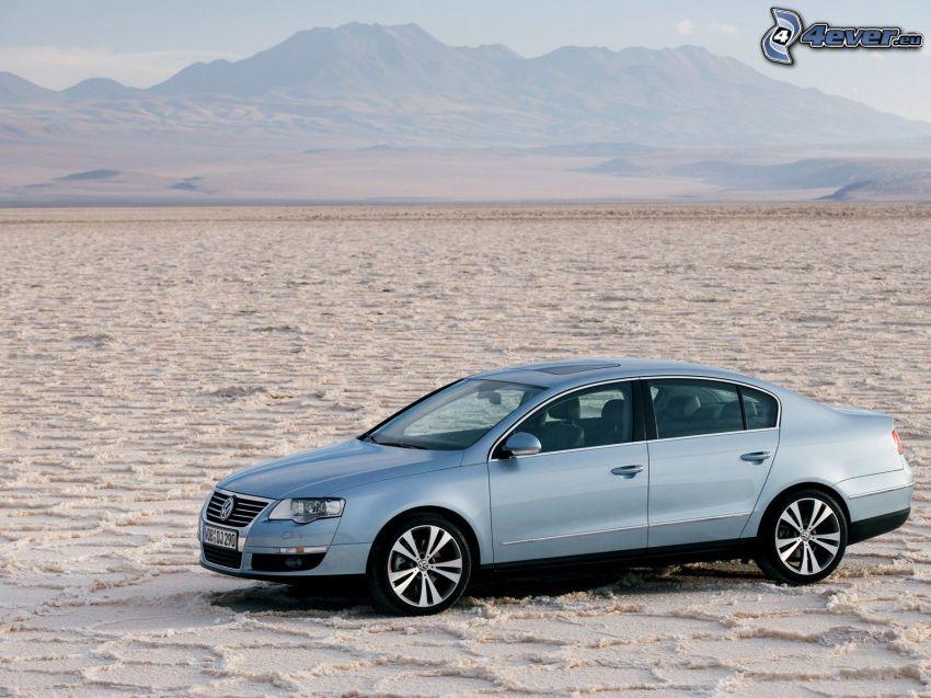Volkswagen Passat, Salzsee, Wüste