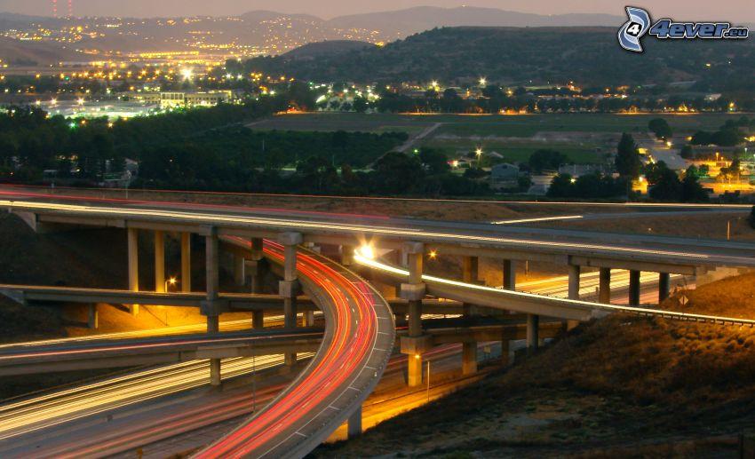 Autobahnkreuz, abend Autobahn, Brücken, Lichter