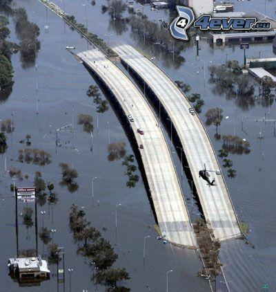 Autobahn, Überschwemmung