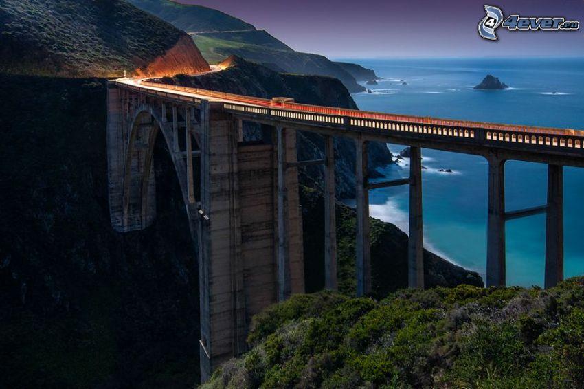 Bixby Bridge, Nacht, offenes Meer