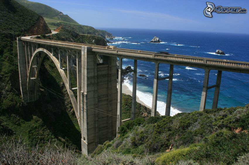 Bixby Bridge, offenes Meer