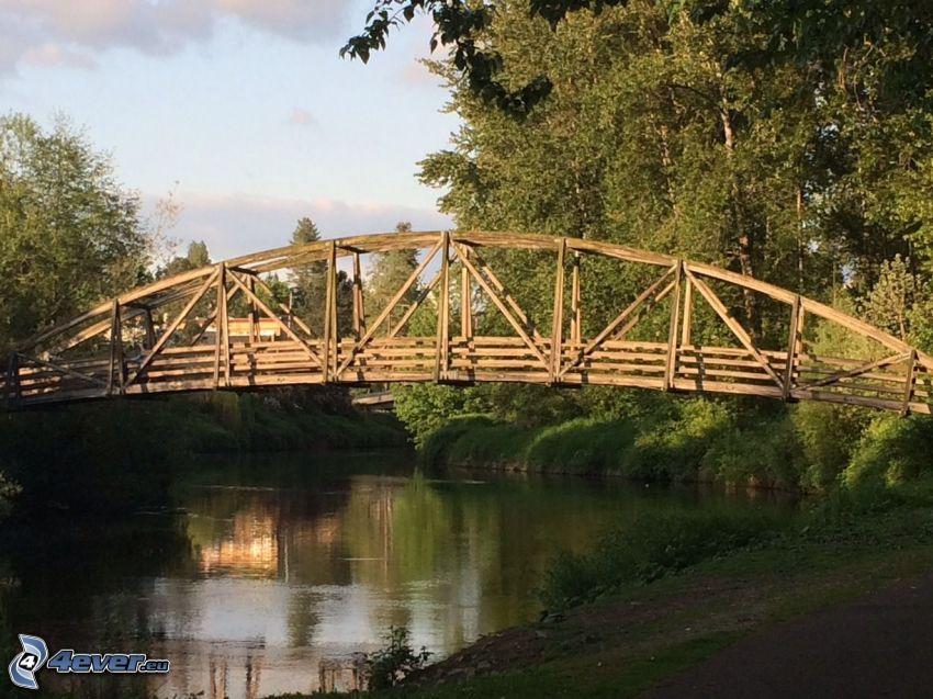 Bothell Bridge, Holzbrücke, Fluss, Wald