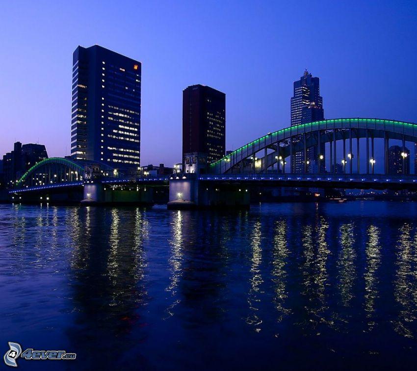 Brücke, abendliche Stadt, Fluss