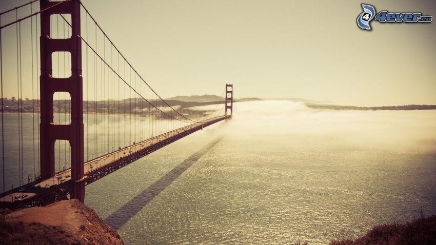 Golden Gate, Fluss