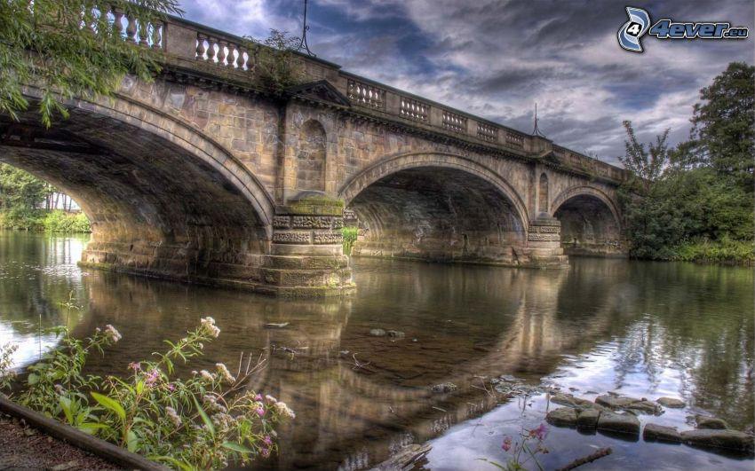 Steinbrücke, Fluss, HDR