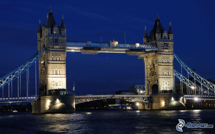 Tower Bridge, Nacht, beleuchtete Brücke