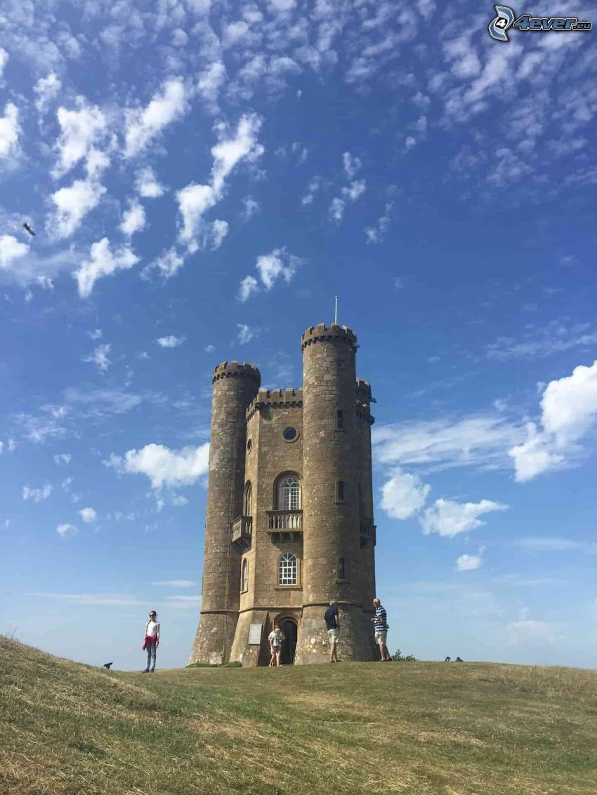 Broadway Tower, Touristen