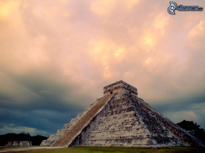 Maya-Pyramide El Castillo, Chichen Itza, Mexiko