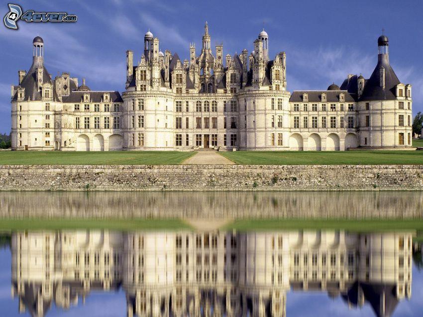 Schloss Chambord, Cosson, Spiegelung