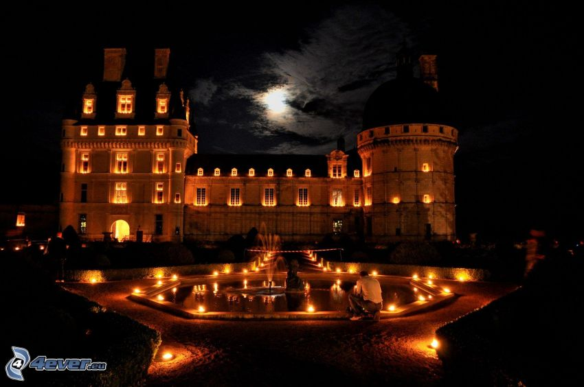 Schloss Valençay, Nacht, Springbrunnen