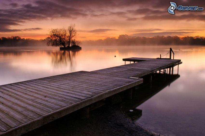 Holzsteg, See, Abendhimmel