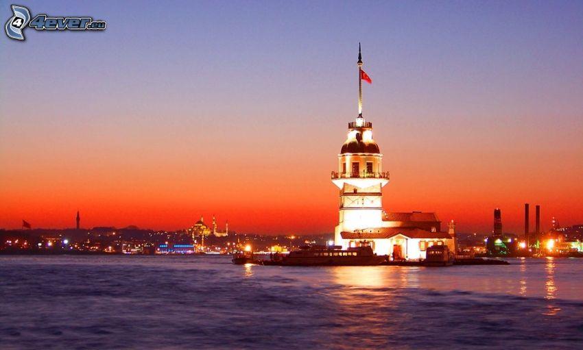 Kiz Kulesi, abendliche Stadt, Meer