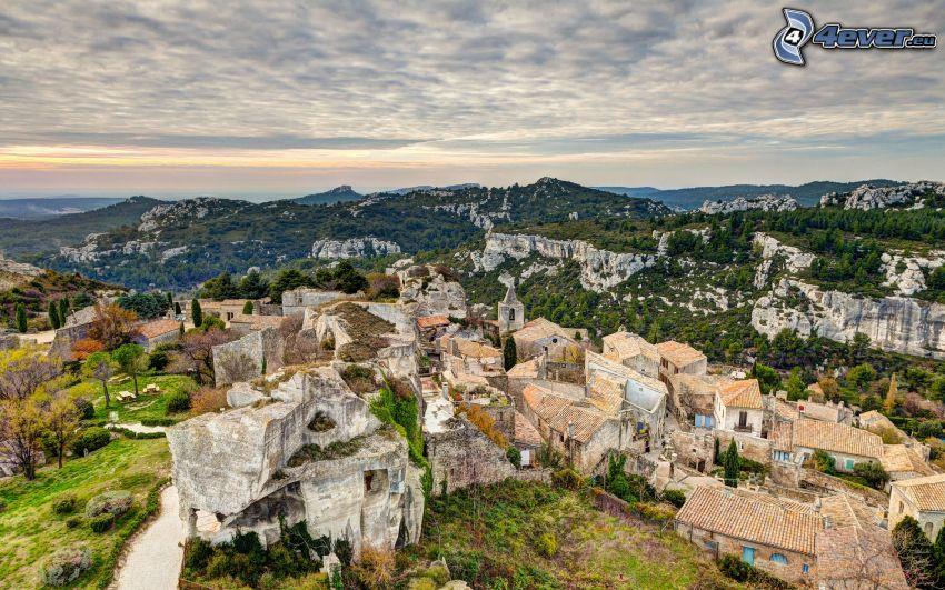 Les Baux de Provence, Dorf, Himmel