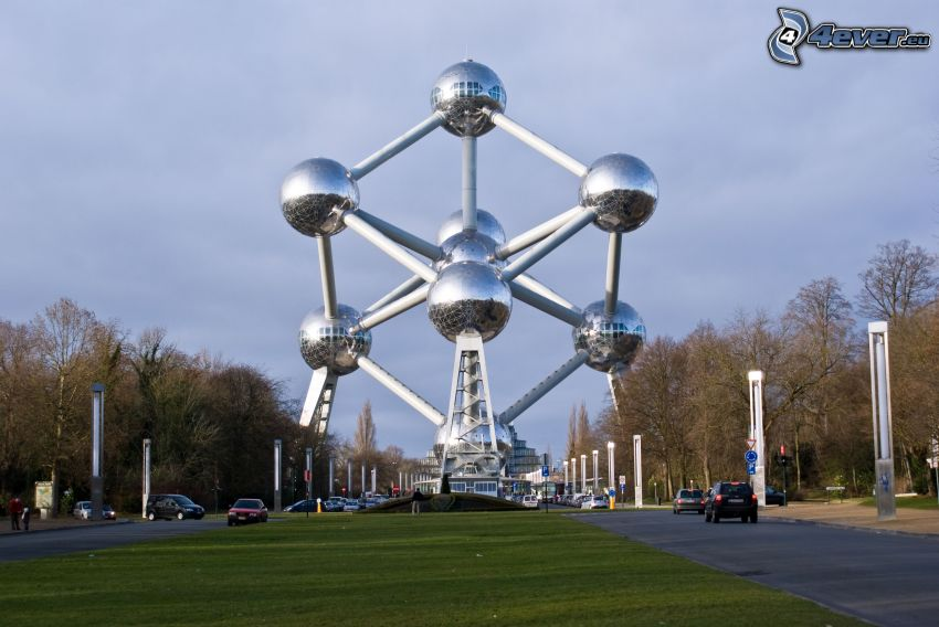 Atomium, Brüssel, Straße