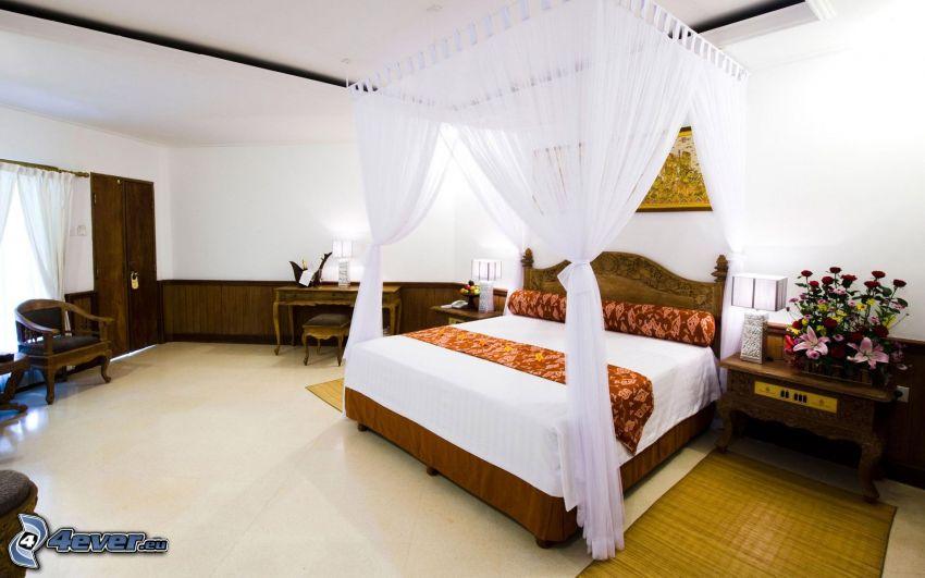 Schlafzimmer, Doppelbett, Baldachin