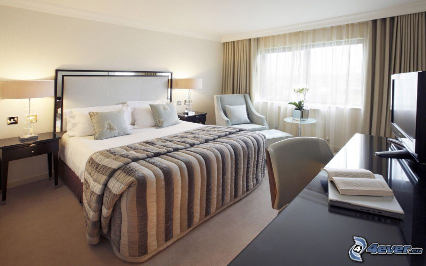 Schlafzimmer, Doppelbett, Fenster, Tisch