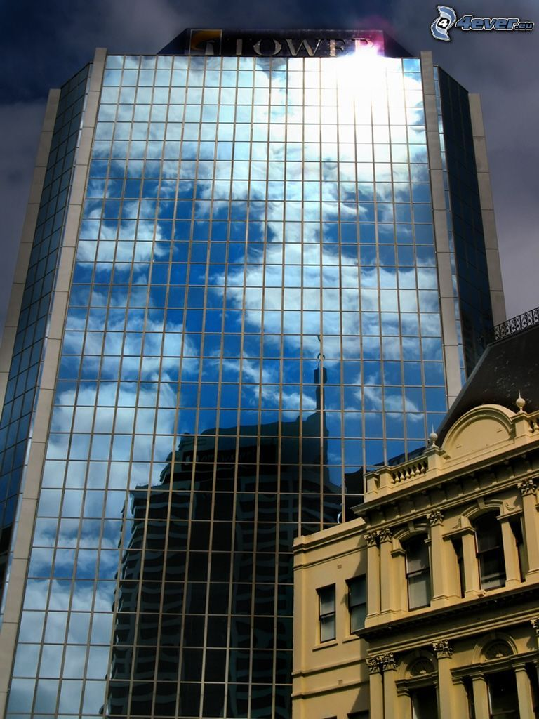 Wolkenkratzer, Glas, historisches Gebäude