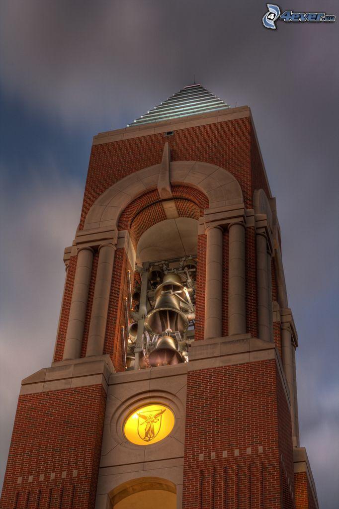 Shafer Tower, Glockenturm, dunkle Wolken