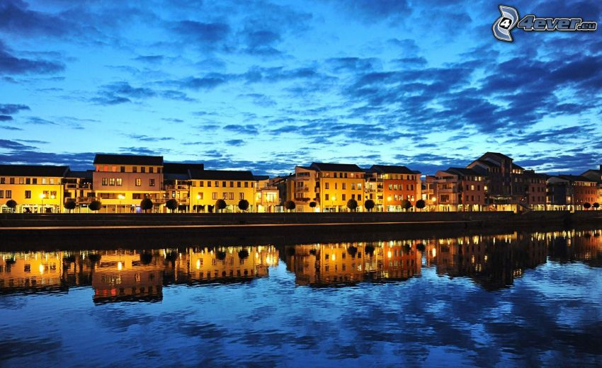 abendliche Stadt, Fluss