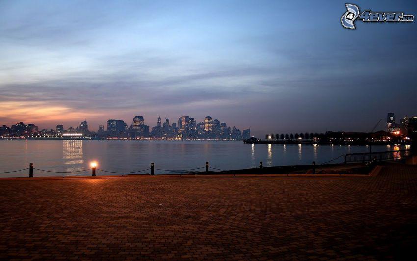 abendliche Stadt