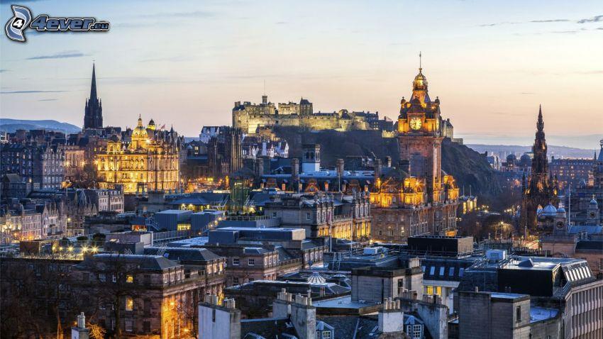 Edinburgh, abendliche Stadt, Edinburgh Castle