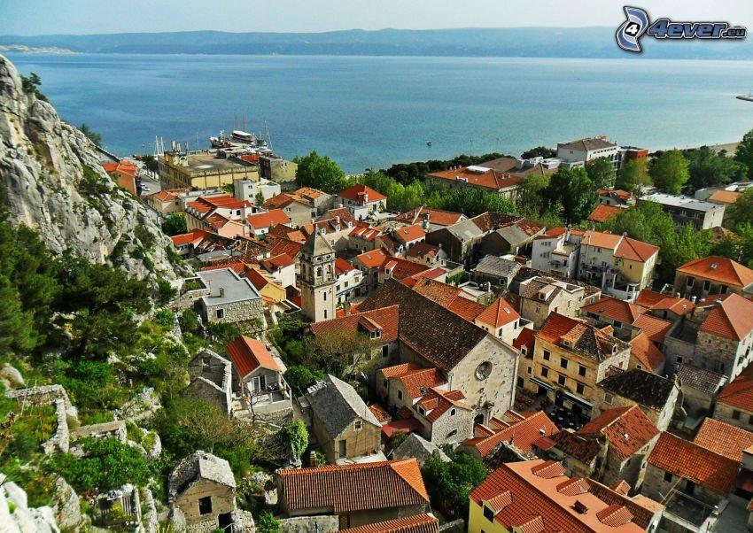 Kroatien, Omiš, Stadt am Meer