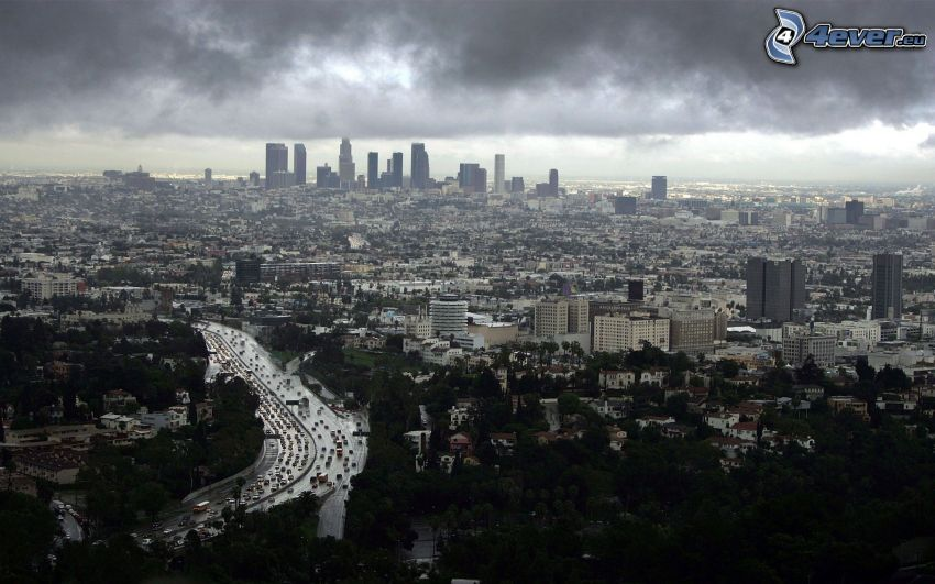 Los Angeles, dunkle Wolken