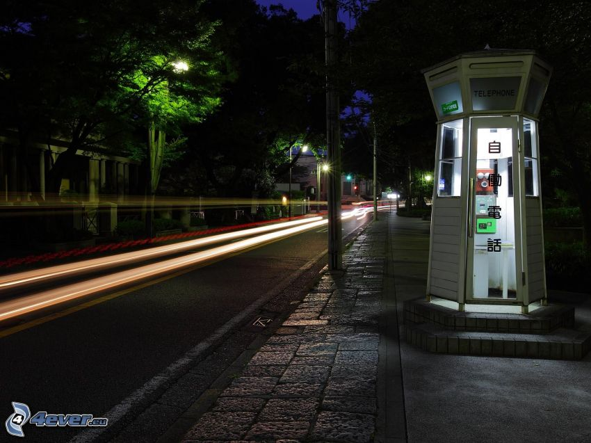 Nacht Weg, Telefonzelle
