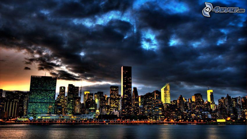 Nachtstadt, Wolkenkratzer, Wolken