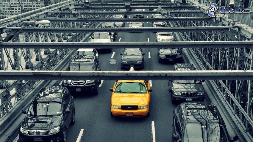 NYC Taxi, Brücke