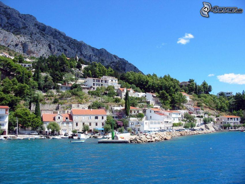 Omiš, Kroatien, Stadt am Meer