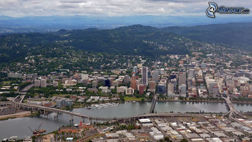 Portland, Fluss
