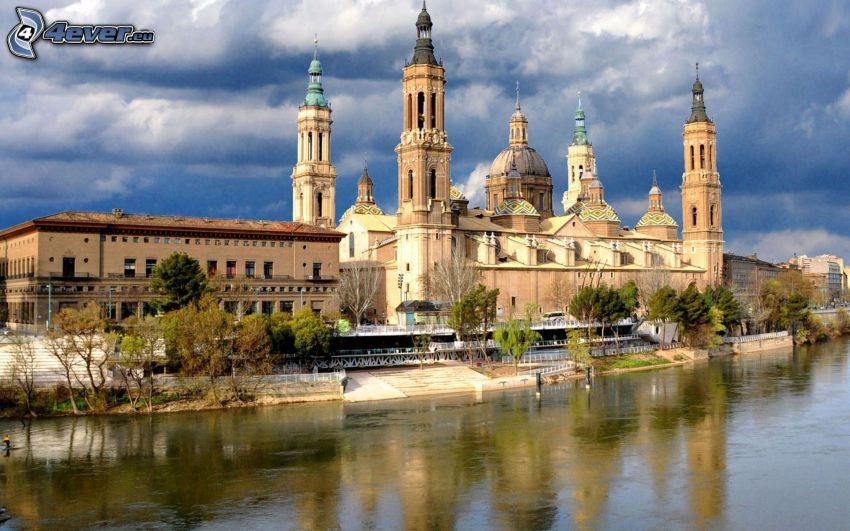 Saragossa, Fluss