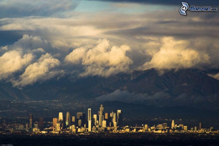 Zentrum von Los Angeles, Wolkenkratzer, Berge
