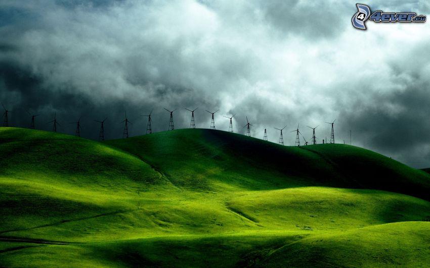 Windkraftwerke, Hügel, Wolken