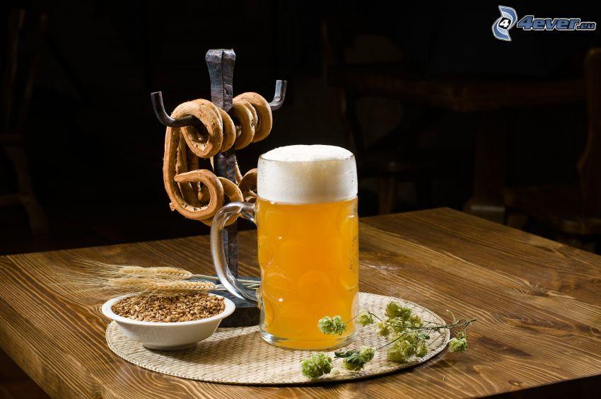 Glas Bier, Gerste, Hopfen