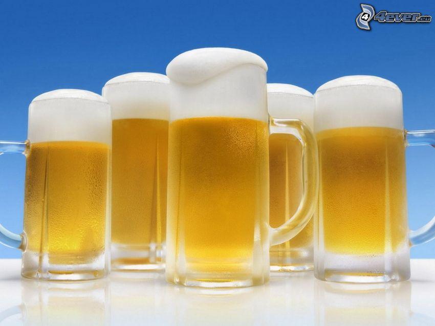 Gläser des Bieres