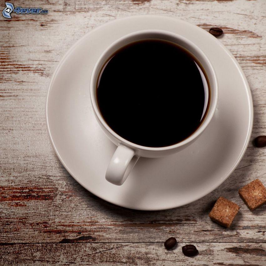 Tasse Kaffee, brauner Zucker