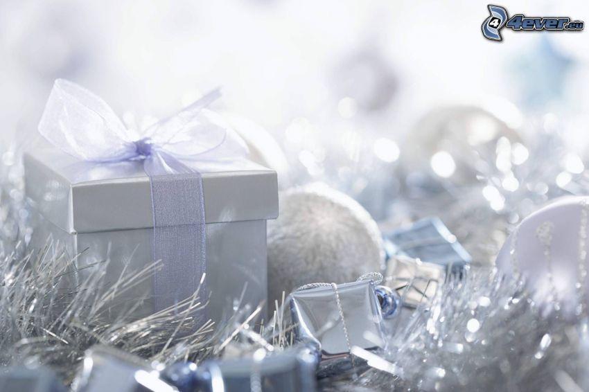 Geschenk, Weihnachtskugeln