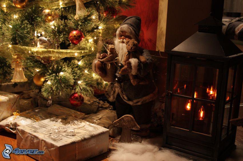 Weihnachtsmann, Weihnachtsbaum, Geschenke