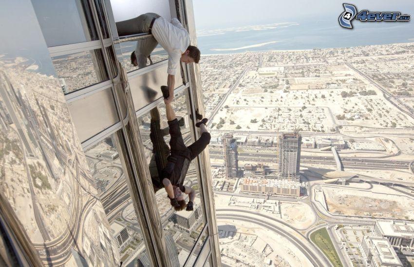 Mission: Impossible, Menschen, Wolkenkratzer, Fenster, Blick auf die Stadt