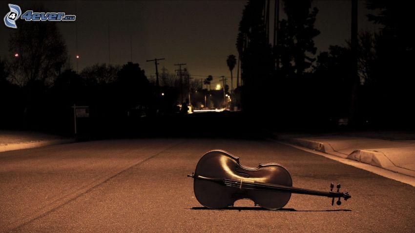 Violine, Straße, Bäum Silhouetten