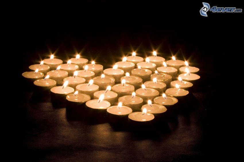 Herz aus den Kerzen, Kerzen