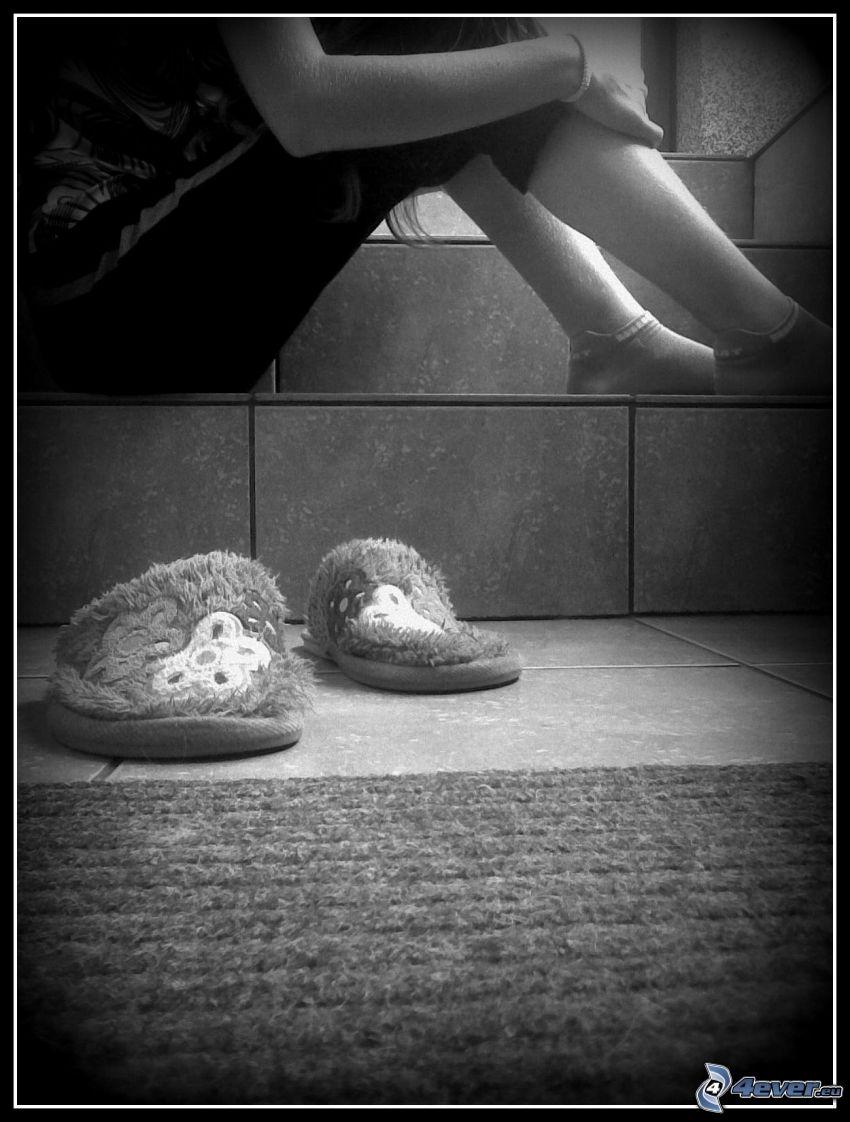 Mädchen auf den Treppen, Trauer, Hausschuhe