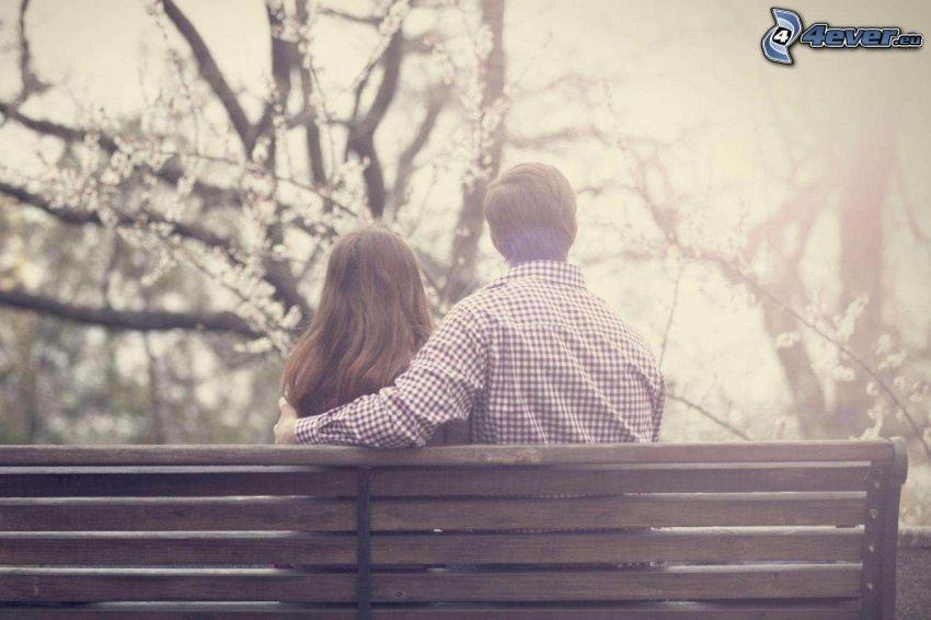 Paar auf der Bank
