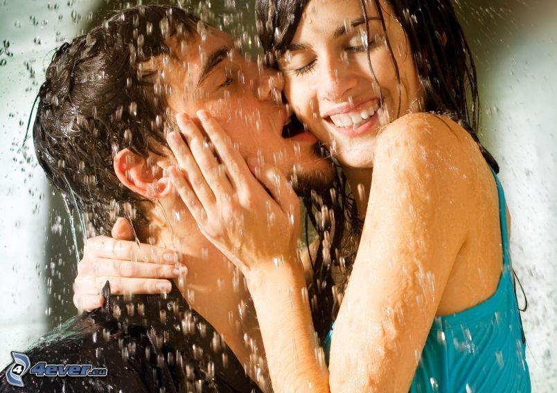 Paar im Regen