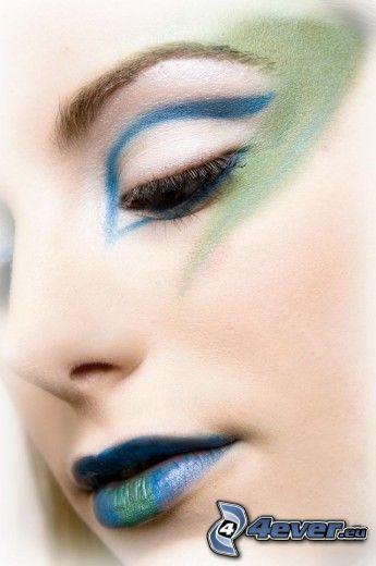 gemalte Frau, Auge, Mund, blau